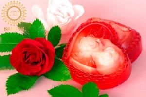 Sirds ar rozēm